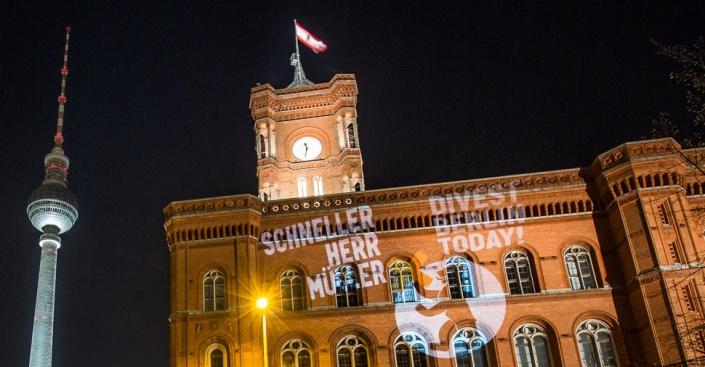 Es ist Zeit, Herr Müller! #Divest Berlin Today / Foto: Gustav Pursche