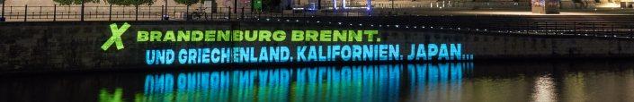 Fossil Free Berlin Projection Bundestag Berlin
